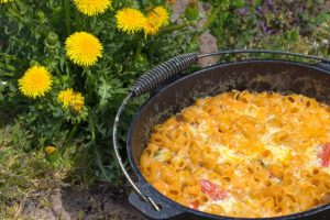Mac-and-cheese-Dutch-Oven